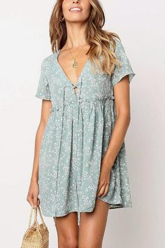 Stomach Hide Casual Deep Plunge Front Tie Shift Swing Dress get extra OFF each 2 Dresses with Code: SUNIDRESS short sleeve floral print dress green floral mini dress deep plunge swing shift dress tie up front short dress ruffle trimmed high waisted cas White Maxi Dresses, Casual Summer Dresses, Cute Dresses, Short Sleeve Dresses, Awesome Dresses, Mini Dresses, Short Sleeves, Light Green Dresses, Summer Outfits
