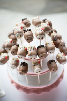 Horse head cake pops  :) would be cute for a cowboy party