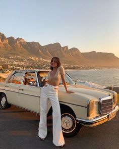 The Chic Fashionista Car Poses, Summer Outfits, Cute Outfits, Beach Outfits, Beautiful Outfits, Casual Outfits, Poses Photo, Emma Ross, Summer Aesthetic