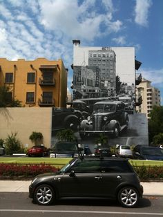 """Coops goes to... """"Bond"""" (restaurant not James!) in Heavy Traffic in Sarasota provided by a mural"""