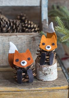 Felt Pinecone Fox - these would be an adorable craft for the kids