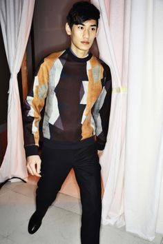 KIM TAEHWAN - WOOYOUNGMI AW14-15 MEN FASHION SHOW PARIS BACKSTAGE