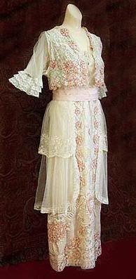 1920 fashion photo: 1910 1910teagown.jpg