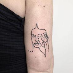 Cool Back Tattoos Women . Cool Back Tattoos Women . Pin by Jt On Tattoos Schallwelle Tattoo, Form Tattoo, Wörter Tattoos, Shape Tattoo, Forearm Tattoos, Cool Tattoos, Tatoos, Mask Tattoo, Delicate Tattoo