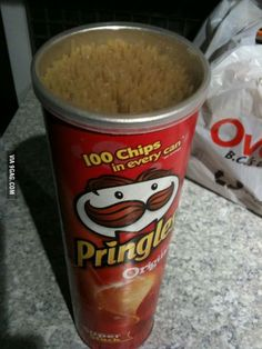 Spaghetti fits perfectly in a Pringles can