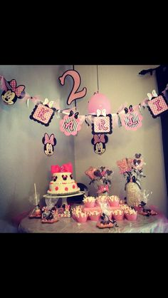 Minnie Mouse Birthday Cakes Publix Zoe And Minnie Mouse