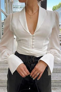Trend Fashion, Look Fashion, Fashion Outfits, Womens Fashion, Fashion Fall, Girl Fashion, Blouses For Women, Jackets For Women, Ladies Jackets