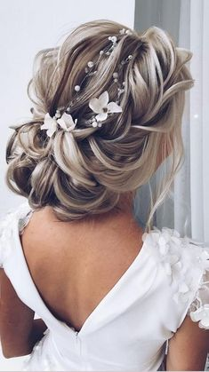 Wedding Hairstyles For Long Hair, Wedding Hair And Makeup, Bride Hairstyles, Bridal Party Hairstyles, Updo For Long Hair, Wedding Hair With Veil, Hairstyles For Weddings, Wedding Up Do, Wedding Hairdos