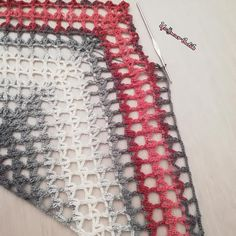 I wish you peaceful nights& . , I wish you peaceful nights& . Crochet Shrug Pattern, Crochet Shawl, Crochet Stitches, Knit Crochet, Crochet Patterns, Knitted Shawls, Crochet Scarves, Crochet Cover Up, Knitted Baby Clothes