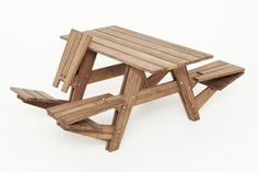 clever bamboo picnic table design with individual reversible seats- both for sitting down at lunch and lounging for that after-lunch nap