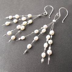 Learn to make these easy cute beaded earrings using pearls, crystals, or the…