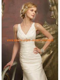 V-ausschnitt Mollig Schlichte Brautkleider aus Satin mit Per...