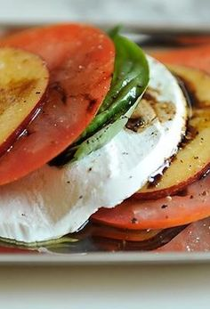 Do you love tomatoes? Then you have to save this pin of 5 awesome, healthy tomato recipes from greatist.com