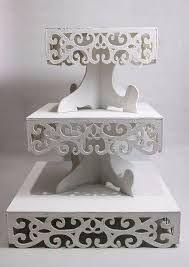 Resultado de imagem para fuentes de madera para mesas tematicas