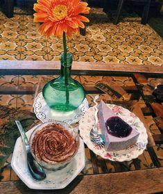9 quán cafe nền gạch hoa cực nghệ ở Sài Gòn mà bạn nên ghé qua... chụp hình - Ảnh 1. Parrot Flying, Outdoor Cafe, Coffee Shop Design, Affair, Blue Prints