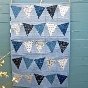 = free pattern = Birthday Bunting by Quilt Routes by designer Deborah OHare. Free with registration. Quilt Baby, Boy Quilts, Mini Quilts, Onesie Quilt, Flag Quilt, Flannel Quilts, Patch Quilt, Modern Quilt Blocks, Modern Quilt Patterns