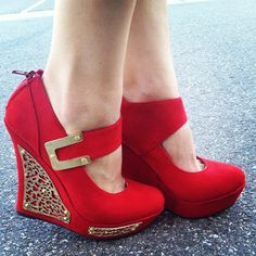 I would politely wear these! Fabulous #shoesgalore