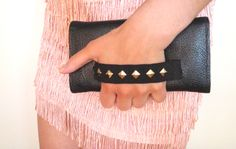 DIY~Clutch Purse. LOVE the handle. so much easier and adds cute embellishment