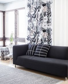 Tissus Marimekko Kasvu Marimekko Fabric, Scandinavia Design, Japanese Patterns, Linocut Prints, Interior Inspiration, Love Seat, Floral Patterns, Textile Patterns, Sofa