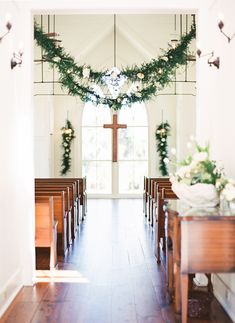 Coastal Chic Palmetto Bluff Wedding via oncewed.com