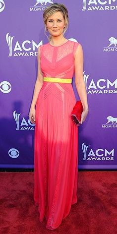 Jennifer Nettles, ACM awards - love this mix of colors!