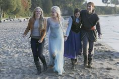 "Emma, Elsa, Anna and Kristoff - 4* 9 ""The Fall."" #ShatteredSight #OnceisFrozen #KristAnna"