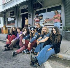 Lynyrd Skynyrd hanging out in Jonesboro Georgia (1973)