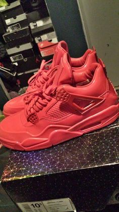 Come list sneakers for FREE! Size 10.5 Jordan Red Lab 4s #sneakerfiend #flykicks #snkrhds #instakicks #sneakerheads #shoegame #airjordan - http://sneakswap.com/buy-retro-sneakers/size-10-5-red-lab-4s/
