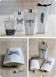 Packaging de regalos con sellos: bolsas realizadas de hojas de libros estampadas