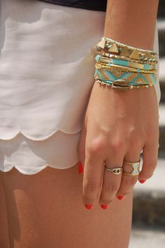 The Camelia - Blog mode, DIY, voyages: DIY - Manchette Hipanema nouvelle version