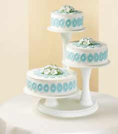 Wilton 3-Tier Cake Stand is a distinctive display featuring locking pillars in a secure base and providing dramatic tier heights and stable support. Its unique design and clean construction complement