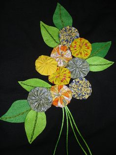 """How to Make a Fabric """"Yo Yo"""": 7 Steps (with Pictures) - wikiHow Easy Yarn Crafts, Crafts To Make, Cloth Flowers, Fabric Flowers, Applique Towels, Sewing Crafts, Sewing Projects, Small Christmas Gifts, Yo Yo Quilt"""