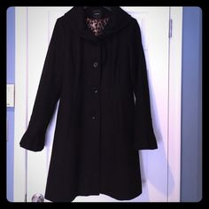 Women's pea coat Women's black pea coat. Express brand. Size large. Worn a few times in great condition. No defects. Leopard lining. Bell sleeves. Knee length. Very warm Express Jackets & Coats Pea Coats