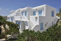 Danaides Apartments    Danaides Apartments are located just 400 metres from Naousa's port, in Paros. It provides free wireless internet. The complex boasts a typical Cycladic architecture.