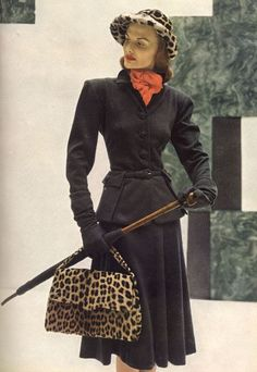 1946 wool suit with beautiful buttons and pocket details.OMG, that tiny waist! Vintage Dresses, Vintage Outfits, Leopard Bag, Moda Retro, 20th Century Fashion, Vintage Fashion Photography, Vintage Looks, Vintage Style, Vintage Glamour