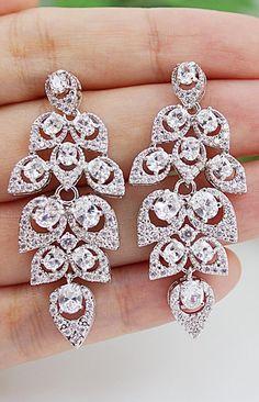 Day 14 - Jewelry ... Gorgeous! Love the chandelier earrings! #EveningSun #DreamWedding