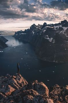 w-canvas: Somewhere Only We Know by Max Rive by queen