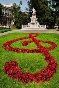 Mozart-Statue in the Burggarten castle garden, Vienna, Austria by Ulrichsson Budapest, Salzburg, Oh The Places You'll Go, Places To Travel, Flower Carpet, Wonderful Places, Beautiful Places, Travel Around The World, Small Gardens