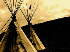 Tipis by JCTEZ, via Flickr