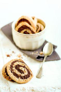 Fashion Flavors (Cooking with health): Biscotti vegani nocciole e cioccolato.... carnevale è per tutti!