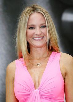 """Sharon Case des """"Feux de l'amour"""" Suivante   Sharon Case est devenue un des piliers de lasérie """"Les feux de l'amour"""", où elle interprète le personnagede Sharon Collins, puisqu'elle a rejoint le plus soap américain toujours diffusé en1994"""