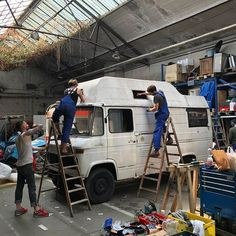 I found a new roof for my van. Lets start the weekend with some tough work. Motorhome, James Cook, Custom Vans, Camper Van, Van Life, Vr, Home Projects, Trucks, Garage Organization