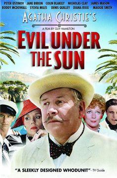"""""""Meurtre au soleil"""" (1982),  un film britannique de Guy Hamilton, avec Peter Ustinov comme Hercule Poirot"""