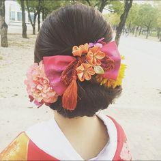 和装に合わせる可愛い今風ヘアアレンジまとめ | marry[マリー] Wedding Hair And Makeup, Hair Makeup, Wedding Kimono, Japanese Wedding, Hair Arrange, Japanese Hairstyle, Hair Ornaments, Japanese Kimono, Flowers In Hair