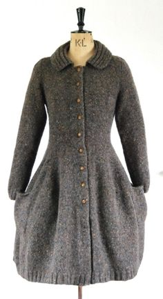 a knit ridding coat, love this idea. Picking all the hay, hair and other stuff out of it, not so much. Vintage Knitting, Hand Knitting, Knitting Patterns, Knit Skirt, Knit Dress, Knitted Coat, Knit Fashion, Knit Jacket, Pulls