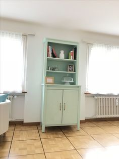 Kitchen Dinning, Dining Room, Ikea Brusali, Home And Deco, Ikea Hack, Decoration, Diy Ideas, Bookcase, Sweet Home