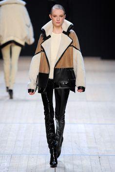 Barbara Bui Fall 2011 Ready-to-Wear Fashion Show - Dempsey Stewart (MARILYN)