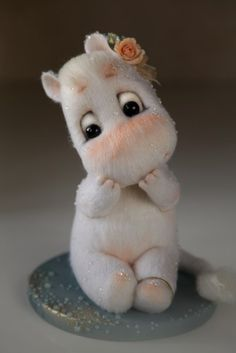 Photo Cute Stuffed Animals, Cute Baby Animals, Needle Felted Animals, Felt Animals, Wet Felting, Needle Felting, Bebe Love, Art Mignon, Felt Baby
