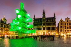 An abstract light installation replaced the traditional pine in Brussels's central square.