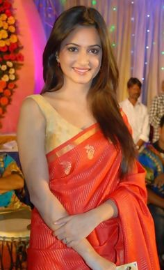 Kriti Kharbanda in Hot Red Saree Beautiful Girl In India, Beautiful Women Over 40, Beautiful Girl Image, Beautiful Saree, Beautiful Ladies, Simply Beautiful, Beautiful Bollywood Actress, Most Beautiful Indian Actress, Beauty Full Girl